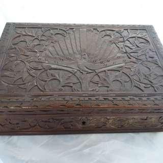 Kotak Perhiasaan Ukiran Kayu Jati