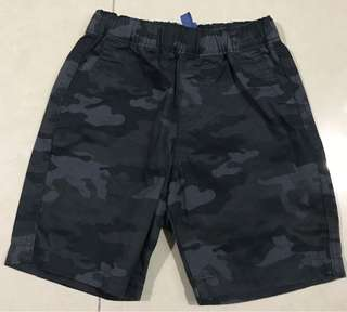 Uniqlo short for 2-4 years old