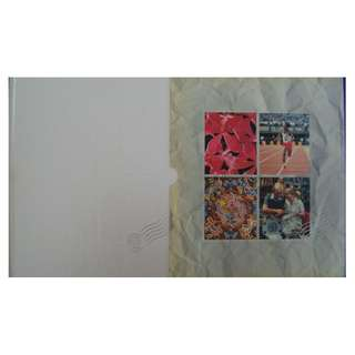 Singapore 1992 Annual Stamp Album (Stamp value $29.approx) conditions of the book and covers as in picture