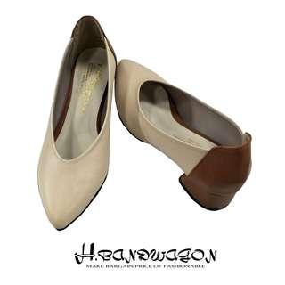 【H.BANDWAGON】質感拚色素面粗跟尖頭低跟鞋 包鞋 娃娃鞋