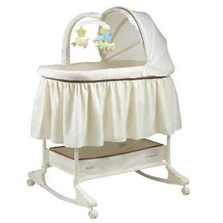 Fisher price @ My little lamb rocking bassinet