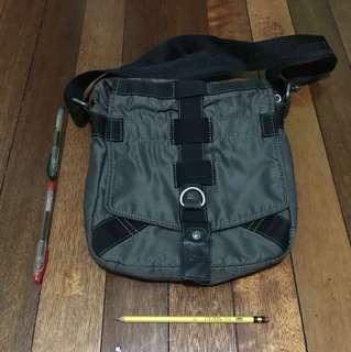 Calvin Klein Jeans Body / Sling Bag