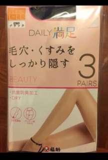 日本製抗菌防臭黑色絲襪($65一對)