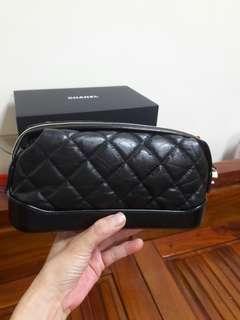 🚚 Chanel 流浪款黑色手拿包