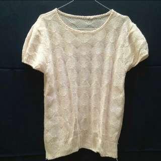 Glittery knit wear