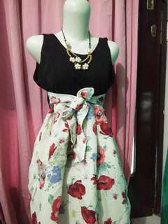 Dress bunga
