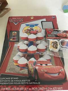 Lightning McQueen Carz cupcake stand. Free cupcake toppers.