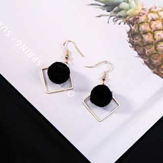 Fluffy Ball Gold Square Earrings (Black)