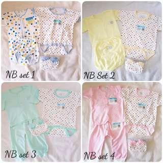 5pcs Newborn Baby Clothes Set Pyjamas Romper Mitten Booties