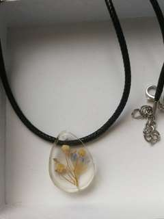 Handmade real dries flowers necklace pendant - Sweet lily