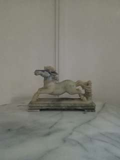 Vintage Old Marble Horse height 17cm length 26cm perfect condition