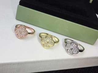 Clover full diamond ring