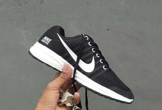 Sepatu Nike Zoom Boston