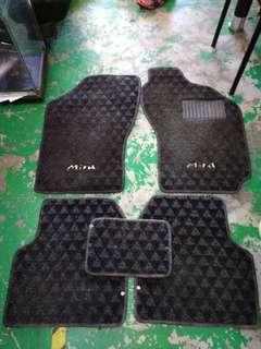 Daihatsu Mira L2 Carpet 5pcs
