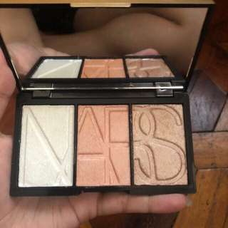 Nars highlighter + eyeshadow