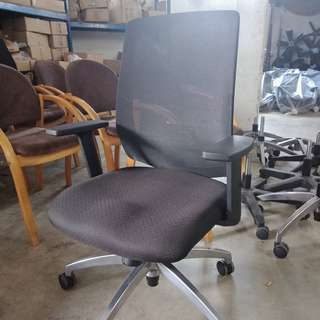 Office Chair with Spinal support