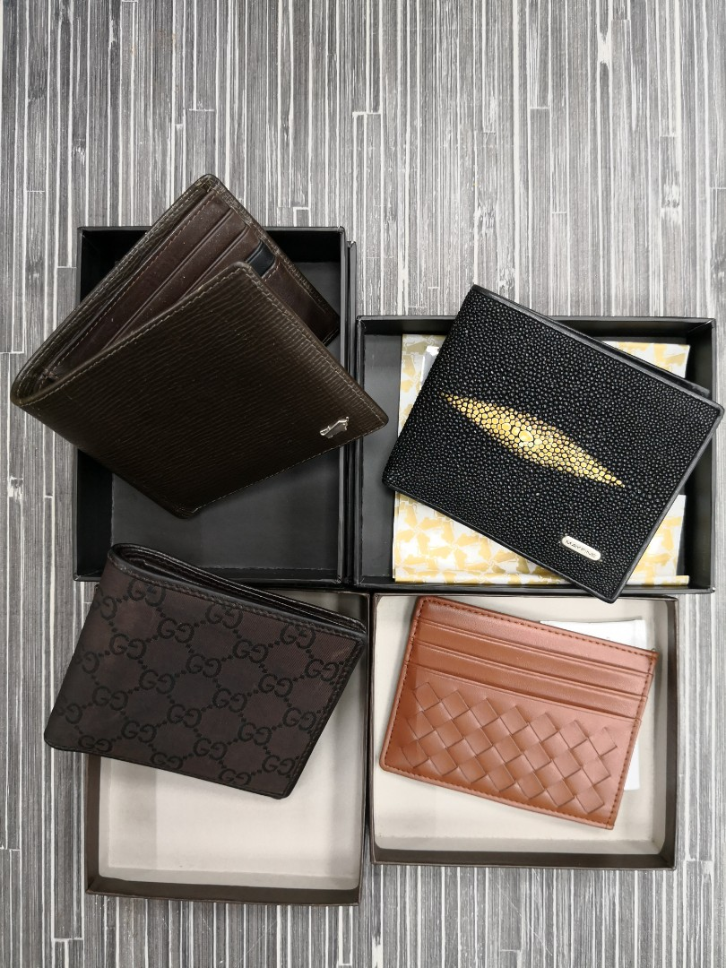7037064efded 1 lot men s wallets -    left gucci   stingray