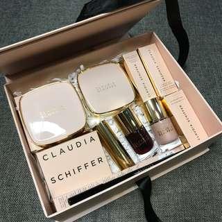 Claudia Schiffer Set