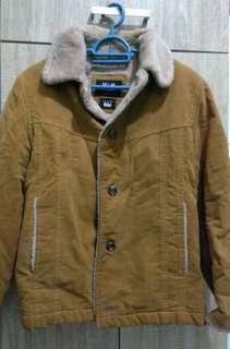 Jaket musim sejuk