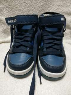 Prelove Branded Shoes Heelys 品牌的鞋子
