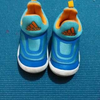 幼兒鞋addidas 23.5碼