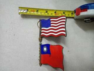 古舊國家旗幟徵章2個