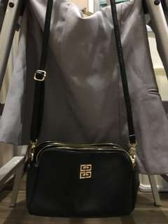 Tas selempang fashion black