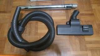 AKIRA Bagless Vacuum Cleaner