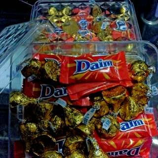 Special Box Daim 15pcs + Hershey's Kisses 20 pcs