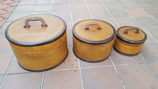 Vintage round containers