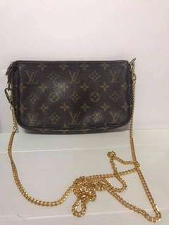 SALE Authetic Louis Vuitton Pochette