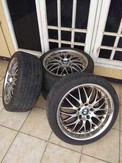 Velg Mobil Racing Ring 18 + Ban Tubeless, Satu Set..