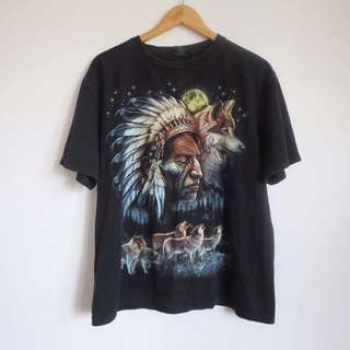 Vintage wolf Native American tshirt