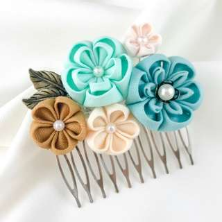 Handmade teal bridal comb, mint flowers hair piece, mint wedding hair piece, green wedding comb, green flower bridal hair comb, kanzashi hair comb