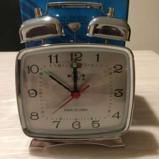 Vintage Retro Winding Clock - With Alarm Feature