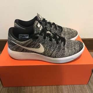 🚚 Nike lunarepic low flyknit 26cm