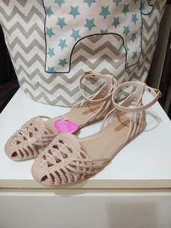🚚 Grendha 香香鞋