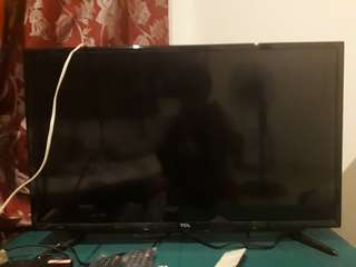 """REPRICED!!!! 32"""" LED TCL Television"""
