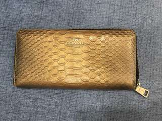 Preloved coach long wallet (cod only)