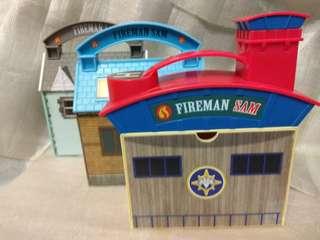 Fire station......... figure set x3