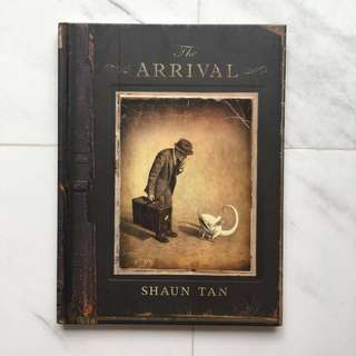 """Graphic Novel """"The Arrival"""" by Shaun Tan"""