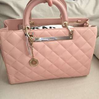 DKNY Blush GanseVoort Quilted Tote bag 💼 💯 Authentic
