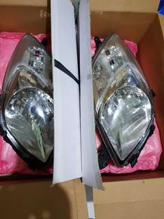 2008 Yaris Stock Headlights