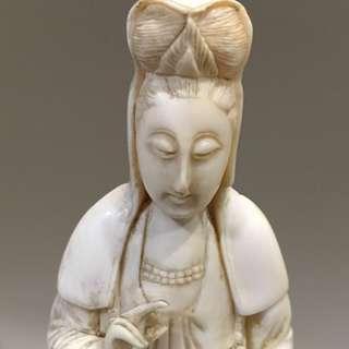 Vintage Guan Yin carving 12.5cm