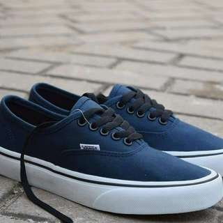 Vans authentic navy size 40-44