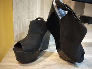 New look wedge/platform