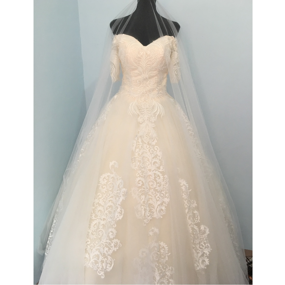Brand New Wedding Gown/ A-line Gown/ Ball Gown (petticoat included ...
