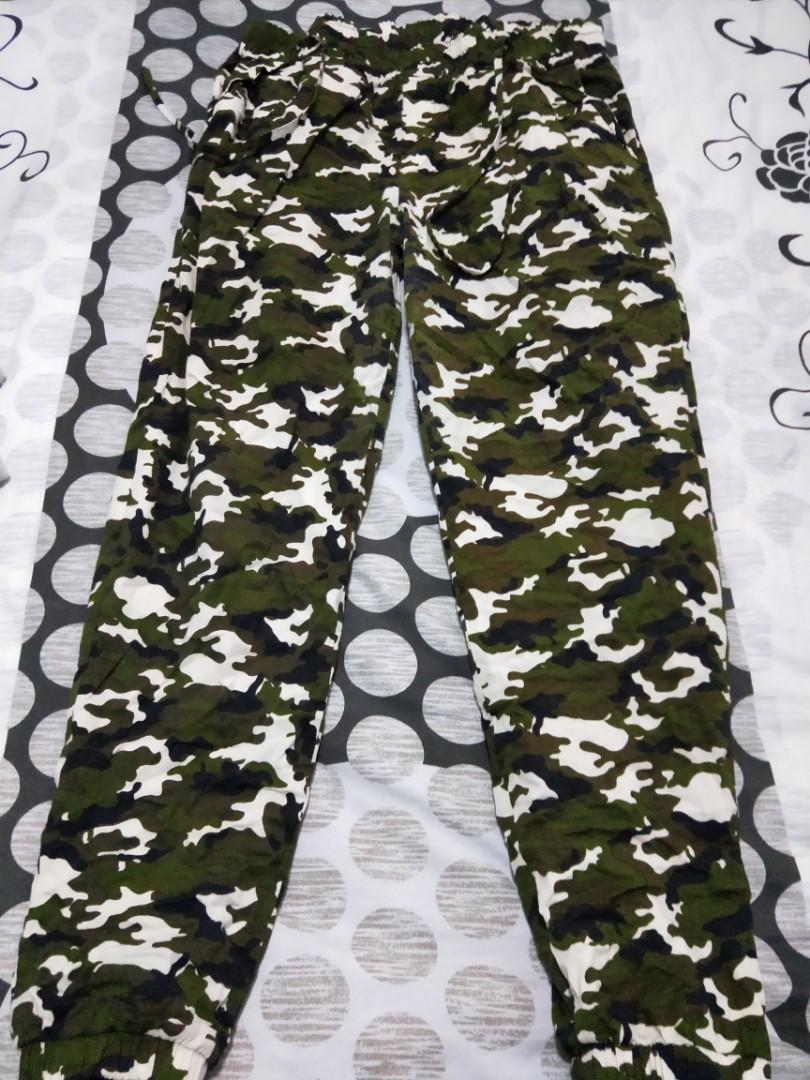 07bbaff0d4365 Camo Jogger Pants Plus Size, Women's Fashion, Clothes, Pants, Jeans ...