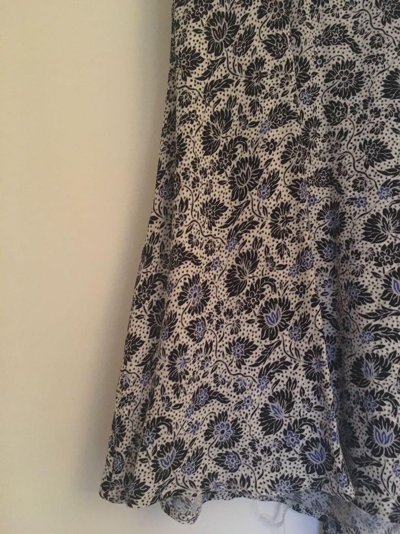 Flowy summer dress-size small