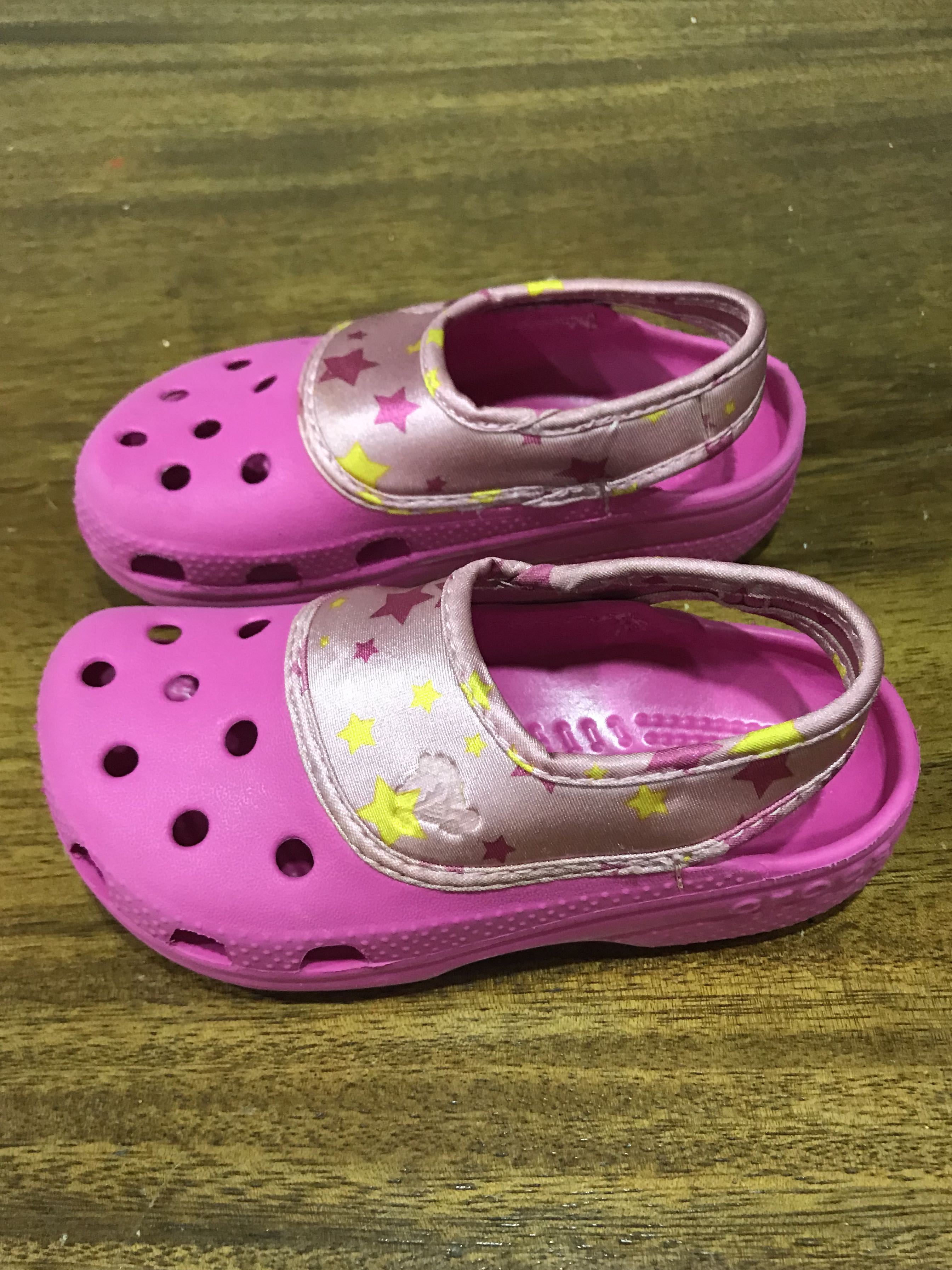 bf0d97791a25 FREE MAIL!! Pink Crocs Sandals for Girl